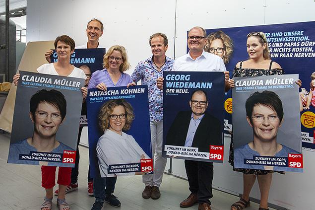Staudigl-Druck übergibt Wahlplakate an die Bayern-SPD
